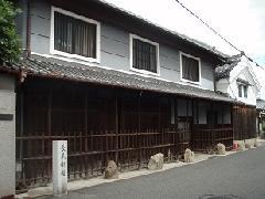 古い造りの家